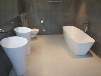 [b]Papierhalter[/b] MITO ohne Deckel, [b]Badetuchstange[/b] MITO, [b]Badewanne[/b] Tellkamp Arte freistehend, [b]Wannenarmatur[/b] Steinberg Serie 200 freistehend